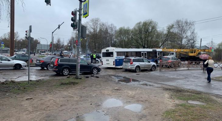 Наездились: Ярославль занял последнее место по качеству дорог