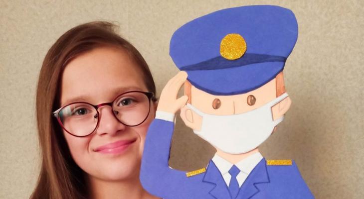 """""""Там ему и место"""": в Ярославле полицейский посадил коронавирус в тюрьму благодаря 10-летней девочке"""