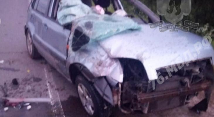 Умер водитель, трёхлетняя малышка пострадала: страшное ДТП под Ярославлем