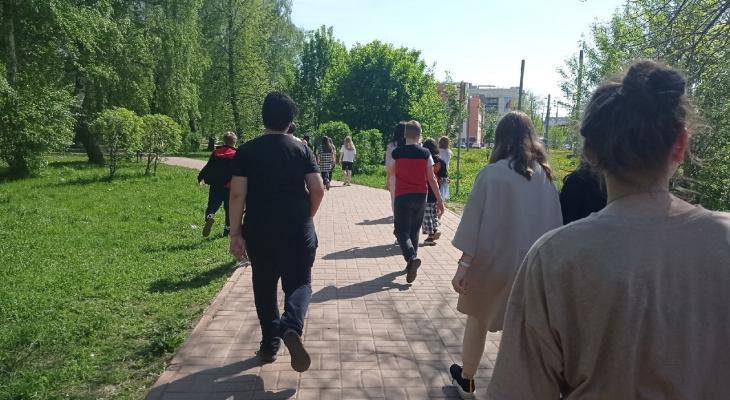 Мерседес за 200 тысяч: приставы устроили грандиозную распродажу в Ярославле