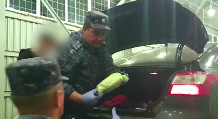 Жителя Ярославля задержали в Дагестане с гашишем на 20 миллионов: видео