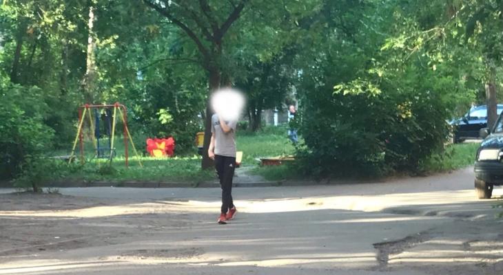 Преследует чужих жен: в Ярославле ищут странного парня