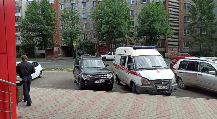 Истекла кровью в машине скорой: в Ярославле насмерть сбили маму на глазах 8-летнего ребенка
