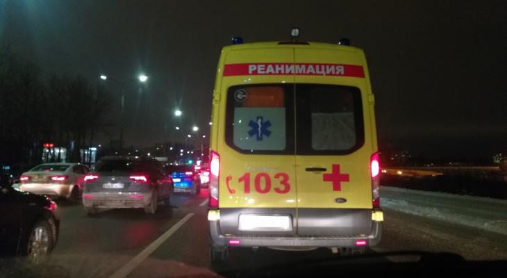 Истекала кровью на дороге: под Ярославлем насмерть сбили женщину